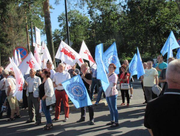 Kolejny raz protestują pracownicy WSK Świdnik.